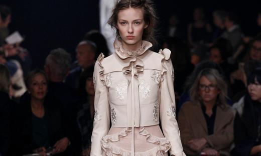 2016春夏[Alexander McQueen]巴黎時裝發布會