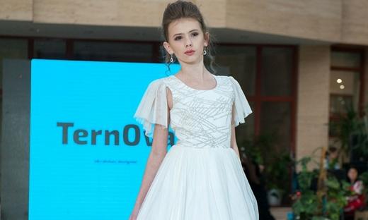 2020春夏[TernOva]敖德萨时装发布会